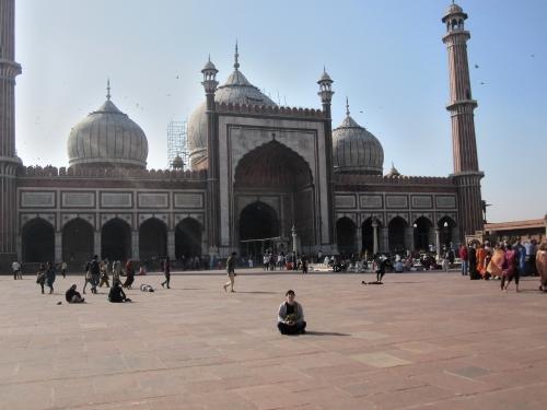 インドのアラビア系モスクで瞑想