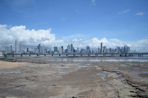 カスコビエホから見たパナマの新市街