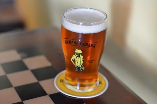 マイクロブルワリーのペールエールビール