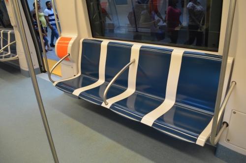 メトロの座席