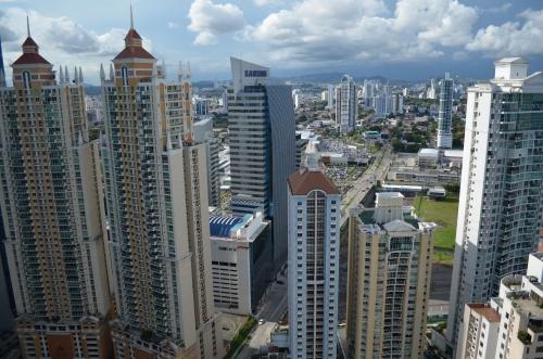 大都会パナマシティの高層ビル群