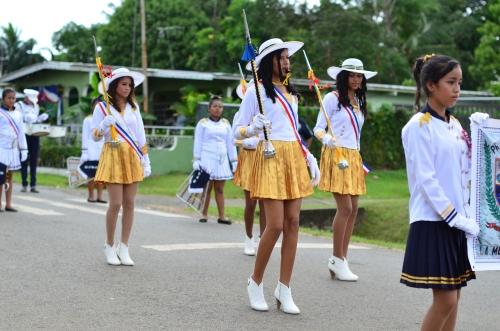 脚が美しいミニスカ美女軍団