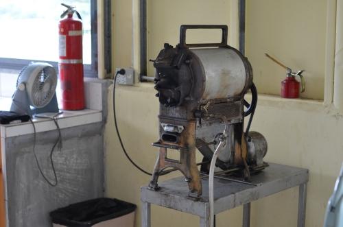 コーヒーの古い焙煎機械