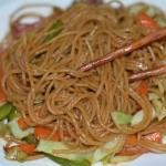 パスタを重曹入りのお湯で茹でると中華麺っぽい食感になる!乾麺がラーメンや焼きそばに使える