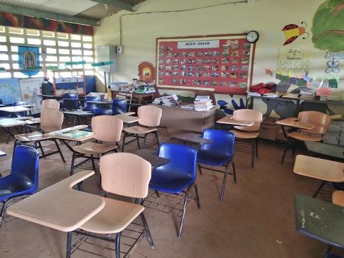 パナマの小学校の教室