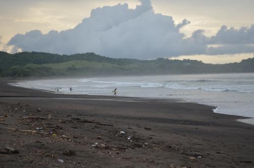 パナマ・ロスサントス・べナオの海岸の朝焼け