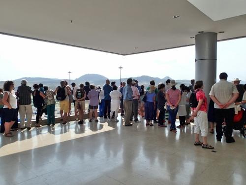 パナマ運河の観光客