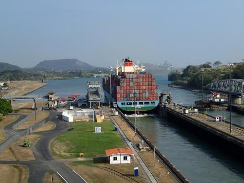 パナマ運河を通過した船