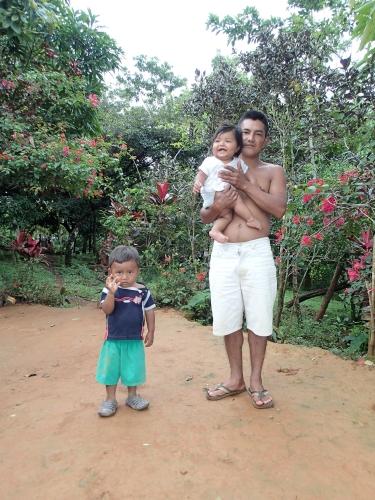 赤ん坊と親子
