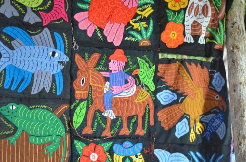 クナ族の民芸品モラ