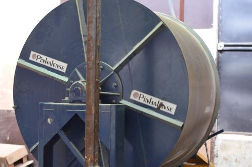 コーヒー豆の大型乾燥機械