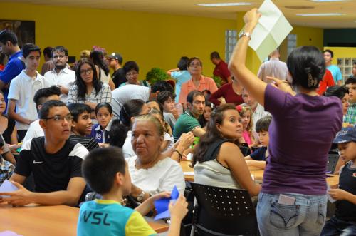パナマ人による折り紙教室