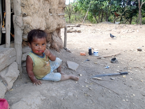 山奥の集落に住む子供
