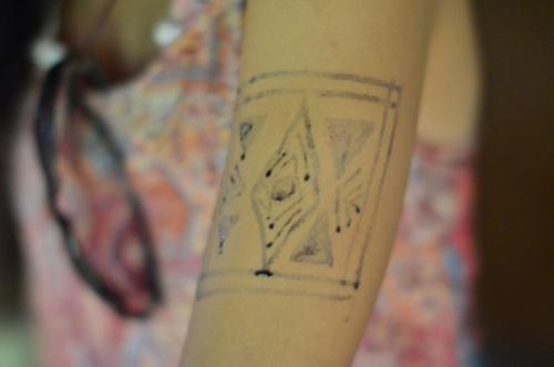 エンベラ族の伝統的なタトゥー