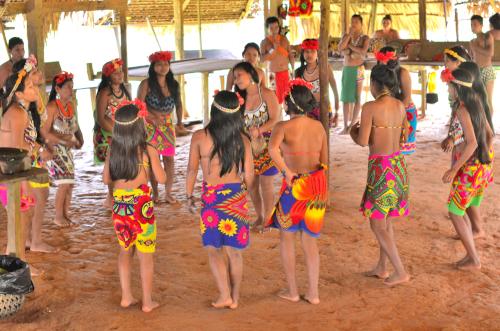 エンベラ族の伝統的な舞い