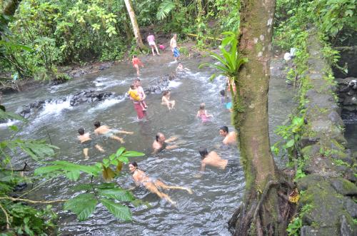 タダでタバコン温泉に入れる場所