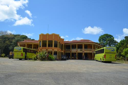 パナマからコスタリカに向かうバスの休憩所