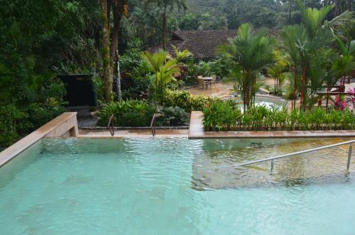 タバコン温泉のプール
