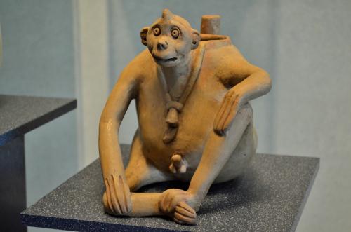 メキシコ国立人類学博物館の展示物サル