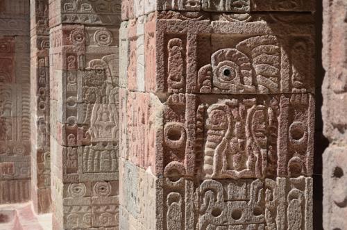 ケツァルパパロトルの浮彫