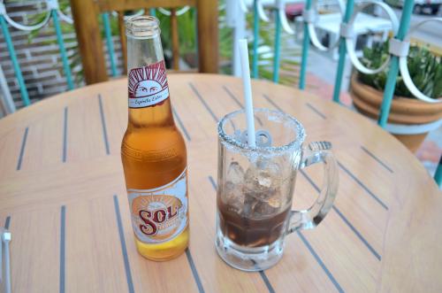 メキシコのビールカクテルミチェラーダのセット
