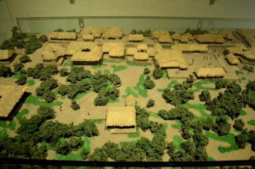 メキシコ国立人類学博物館の展示物村