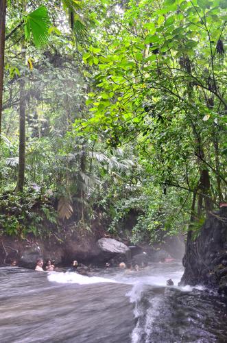 タバコン温泉の近くの本物の自然温泉