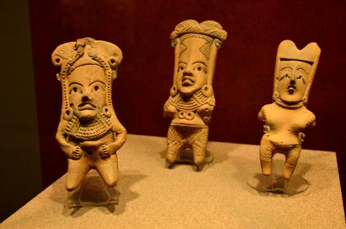 メキシコ国立人類学博物館の展示物親子