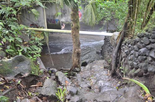 タバコン温泉から90m地点