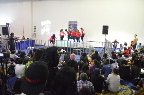 メキシコの韓国ダンスショー
