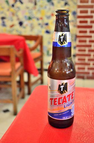 メキシコのビールテカテ・ライト