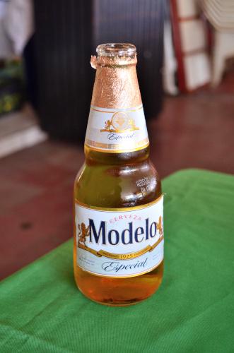 メキシコのビールモデロ