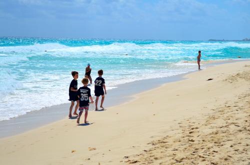 カンクンの白い砂浜