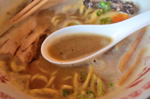 カンクンの美味しいラーメン屋のスープ