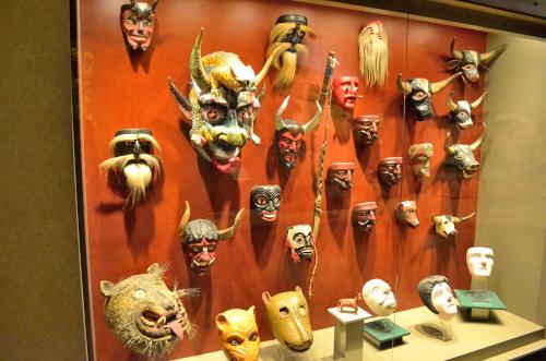 メキシコ国立人類学博物館の展示物鬼の面