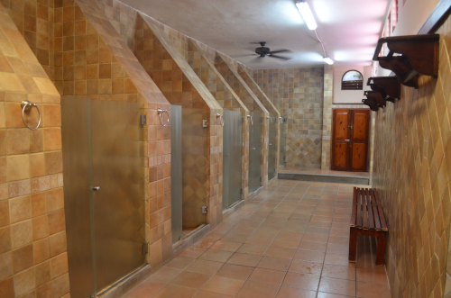 タバコン温泉のシャワールーム