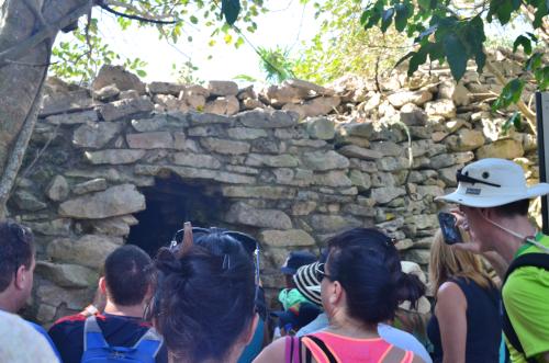 トゥルム遺跡のトンネル