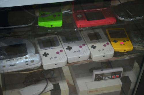 メキシコシティで売られていたゲームボーイ