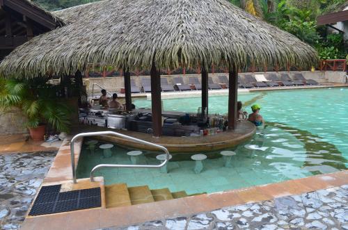 タバコン温泉のプールバー