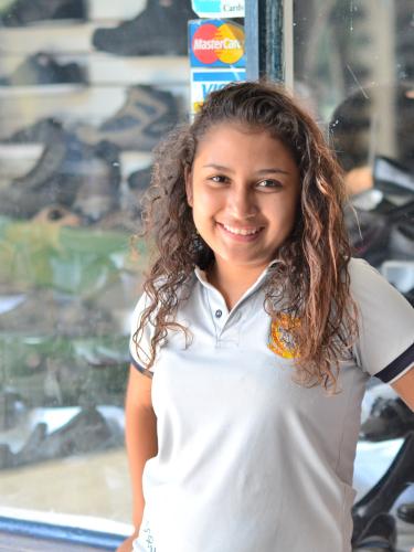 コスタリカのプンタレナス州の美女女子大生