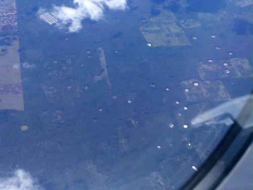 飛行機から見たユカタン半島のセノーテ