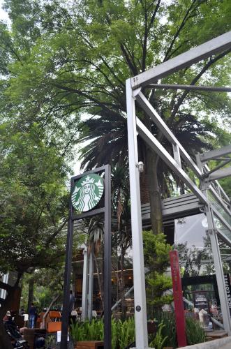 メキシコシティのスタバの外観