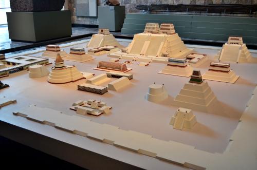 メキシコ国立人類学博物館の展示物ジオラマ