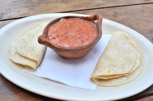 メキシコのチーズフォンデュ・ケソ・フンディージョ