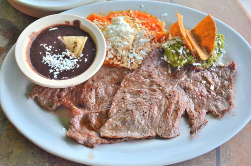 メキシコのステーキセット・タンピケーニャ