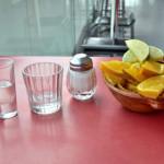 メキシコ産テキーラとメスカルの違い&おすすめの飲み方(塩とレモン・ストレートショット)&作り方・リュウゼツランからの製造方法