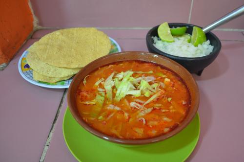 メキシコのスープ・ポソレ赤色
