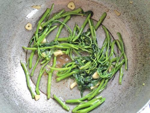 空心菜の茎