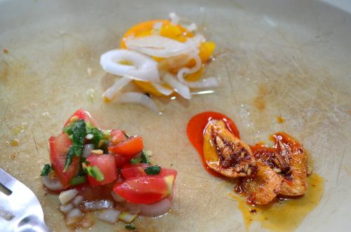マリネ、サラダ、ニンニク炒めのお惣菜