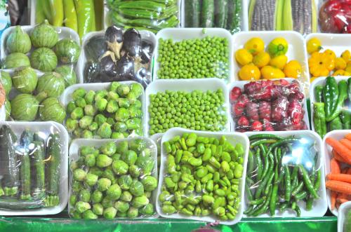 メキシコの市場のパック野菜